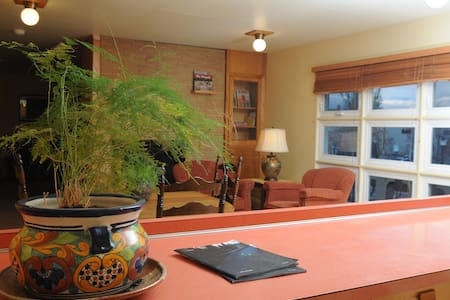 Private Room / Queen / Historic Downtown Kalispell - Kalispell - Wohnung