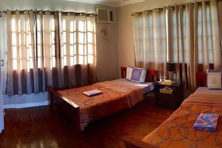 Room with 2 beds (3rd Floor - Shared Bathroom) - Mandaue City - Rumah Tamu