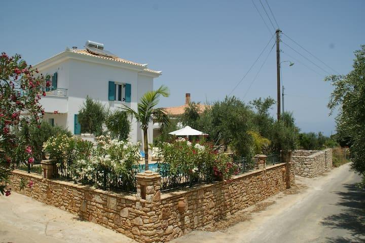 Exclusive Villa Vita with Pool - Koroni