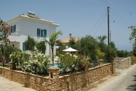 Exclusive Villa Vita with Pool - Koroni