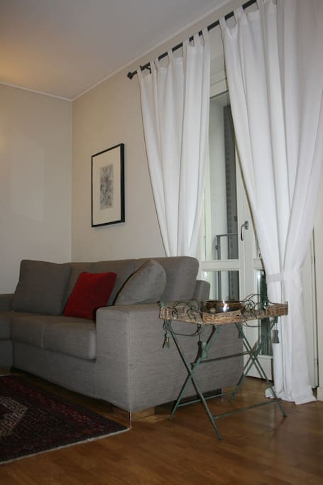 Elegante e confortevole trilocale appartamenti in for Appartamenti arredati in affitto brescia