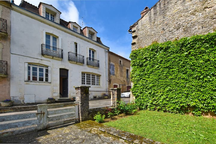 18th century character home with garden, in the heart of a historic village