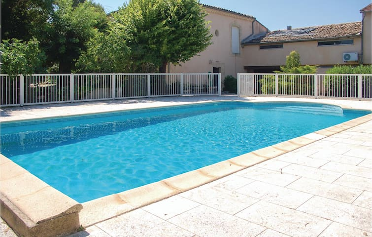 Holiday cottage with 7 bedrooms on 240 m² in Montagnac