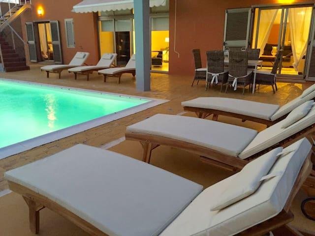 Villa Dolce Vita, Pool&Garden, Wifi - แอนติกัว