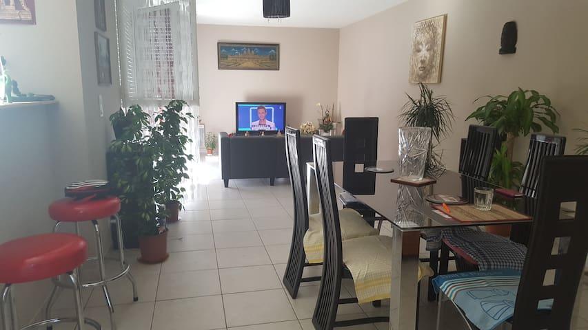 Chambre chez l habitant proche Bordeaux/ libourne - Cubzac-les-Ponts - Haus