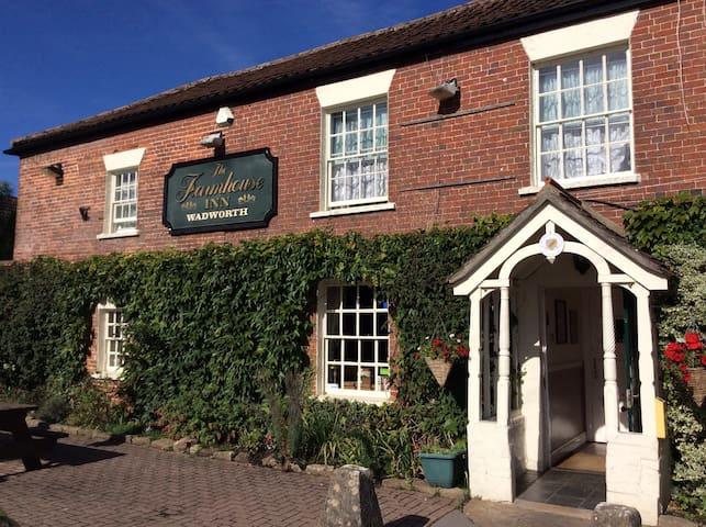 Farmhouse Inn, Southwick, Trowbridge, Wiltshire 3