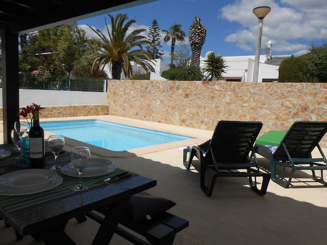 Beautiful Villa, Private pool, close to the Beach.