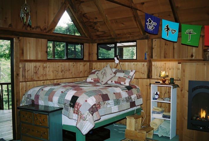$ 155 Big Sur Getaway - Rosehaven -Serenity Cabin