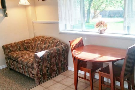 Private Apt. with Queen Bed by BYUI - Rexburg