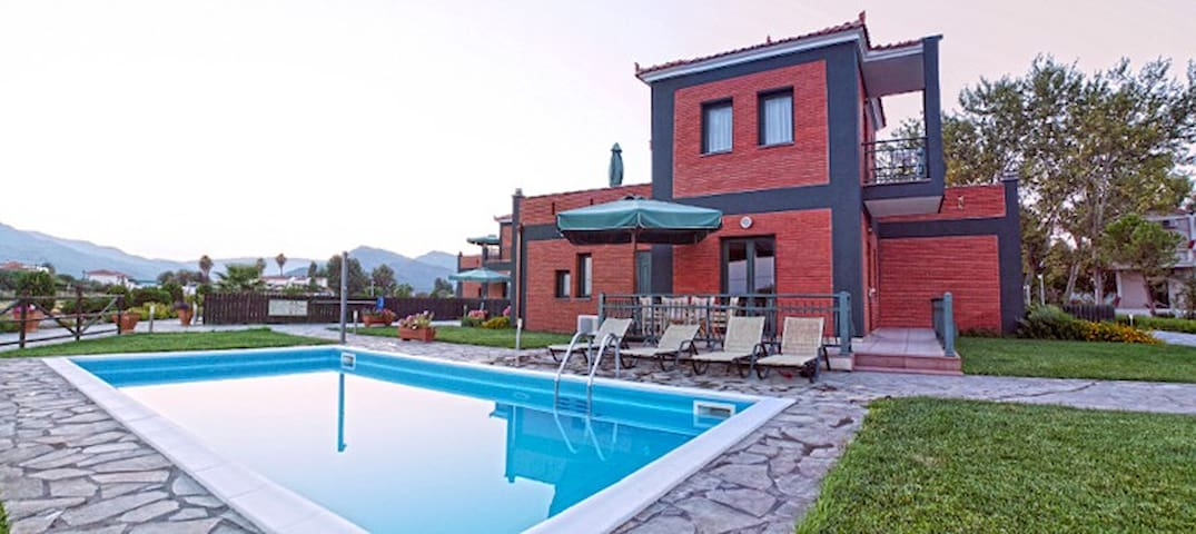 Luxurious villa with private pool - Lesvos - Villa