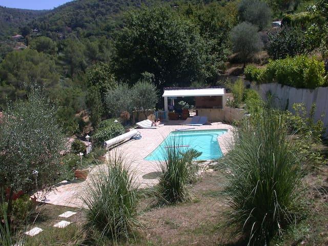 Appartement dans villa avec piscine - Saint-Blaise - Byt