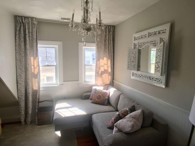 Art filled cozy loft-like 2 bedroom near Brown.