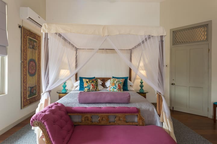 Prana hOMe Hotel - Yoga & Wellness - Dhyana Room