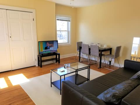 Bright and Spacious 1 BR near JHU