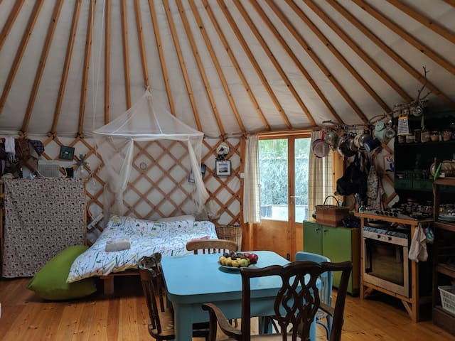 Alternative fully equipped home made Yurt