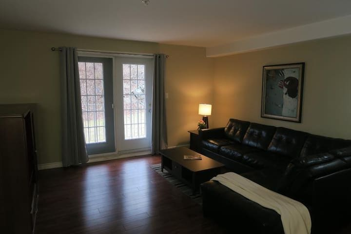 Large, spacious 1 bedroom unit - Halifax - Daire