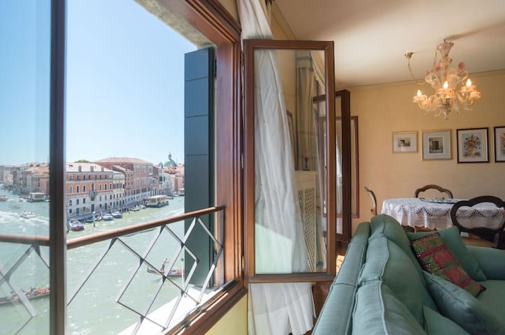 Grand Canal view apartment