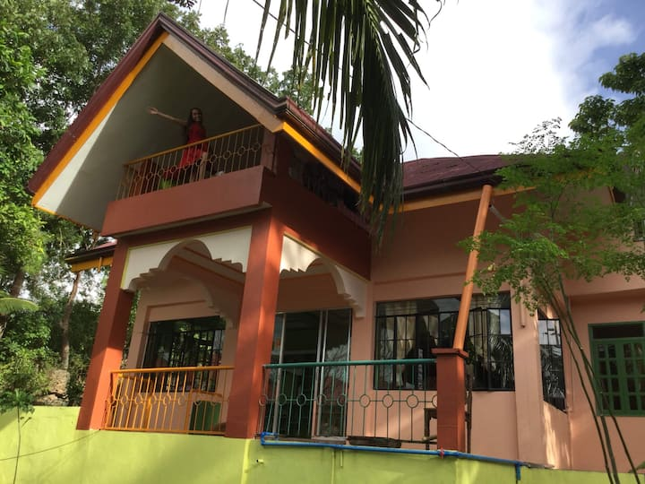 Affordable House w/ WiFi/AC/Showers n Panglao