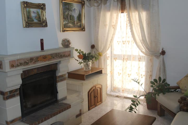 Traditional house close to Airport and Valletta