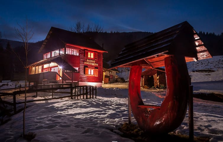 Outlaws Cabin-In the heart of Apuseni mountains