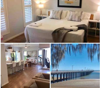 Pier House King: Breakfast, Beach, Pier and Marina