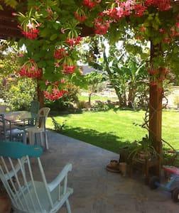 sweet familyhouse 10 min from the beach - Ashdot Ya'akov Ihud - Casa