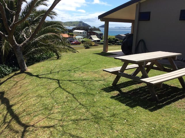 Self contained beach retreat - Opito Bay