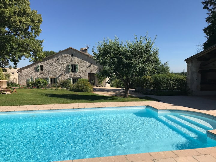 A Quality Farmhouse with En-suites & Heated pool.