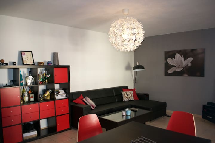 p2 neuf au coeur de montpellier avec parking wohnungen zur miete in montpellier occitanie. Black Bedroom Furniture Sets. Home Design Ideas