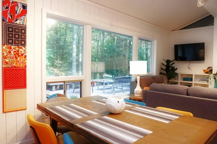 Modern Luxury Cabin in Lake Naomi of the Poconos