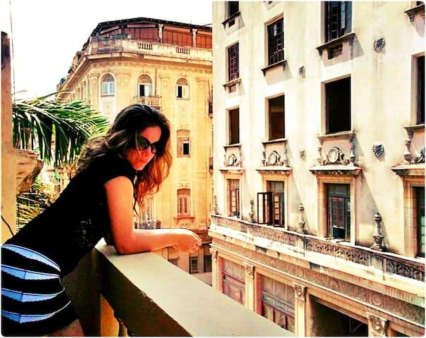 Great spot! Sunny balcony at heart of Old Havana!!