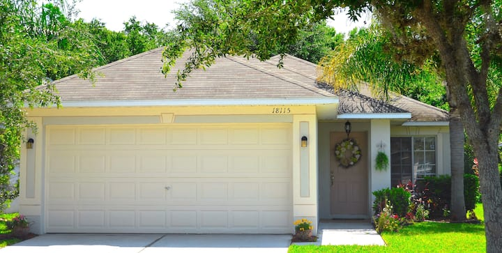 Beautiful home 3/2 centrally located