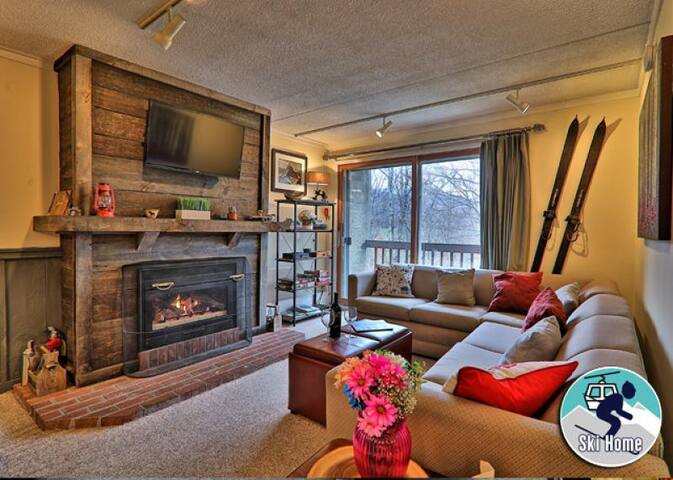 Location location location! with shuttle to Slopes/Ski home