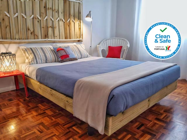 Local Hosts B&B - Double Room B, private WC+AC
