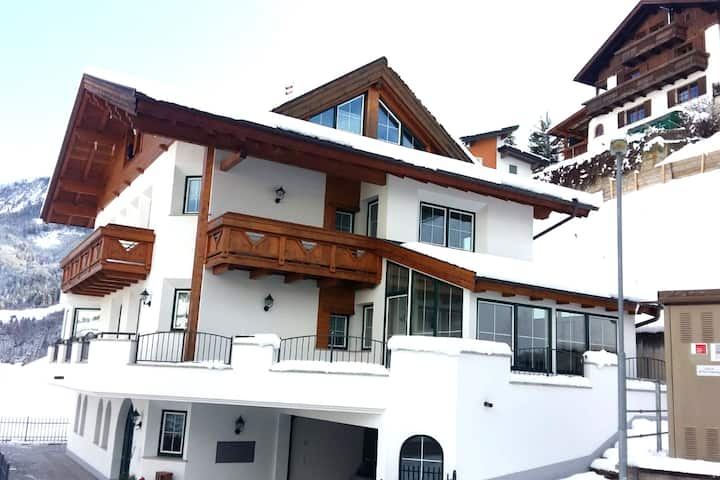 Alpine Apartment in Landeck with Balcony