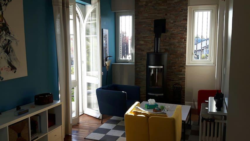 Nice villa in Pau center - Pau - House