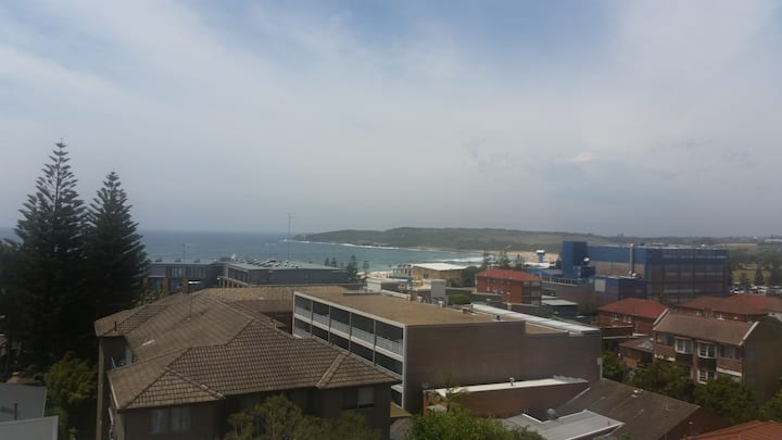 Maroubra Beach Apartment with a view