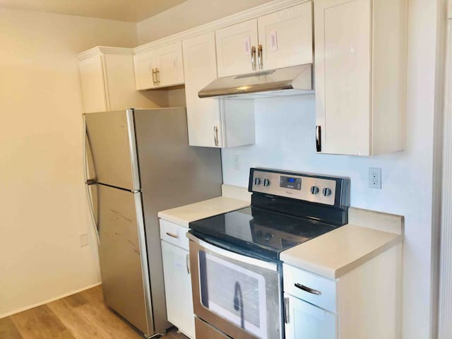 2 Bedroom Apartment/Brookline Boulevard