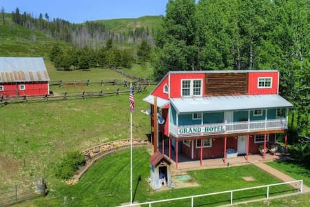 Tombstone Ranch  Grand Hotel