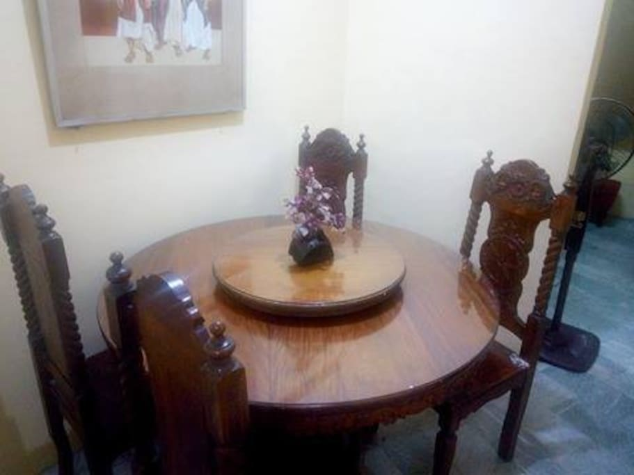 Dining Area / Table
