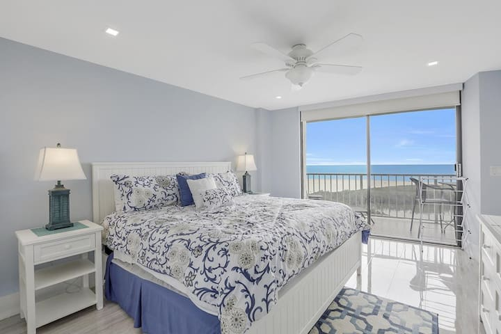 SOUTH SEAS 4, 1504 LUXURY BEACHFRONT CONDO!