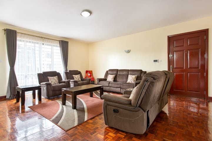 EXECUTIVE APARTMENT WITH CITY VIEW