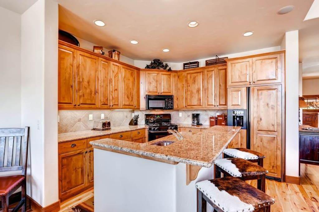 Indoors,Kitchen,Room,Lighting,Cabinet
