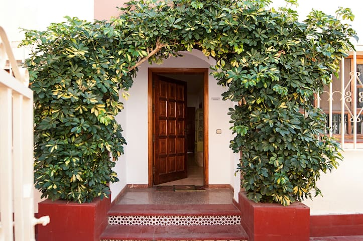 Confortable and nice house with thr - San Fernando de Maspalomas (35100) - Casa
