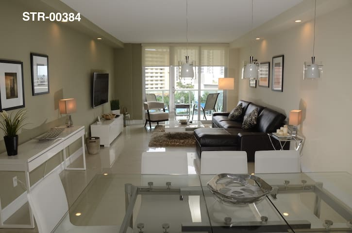 HomeAtSun: Ocean View - Aventura Mall 3bed/2bath