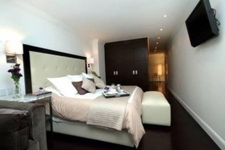 * La Fotografía de la habitación puede variar de acuerdo al tamaño que elijas, así como algunos muebles de decoración
