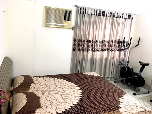 Comfortable Serviced Room in Banani