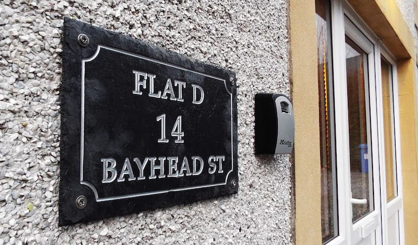 Bayhead Flat 14d - at the heart of Stornoway