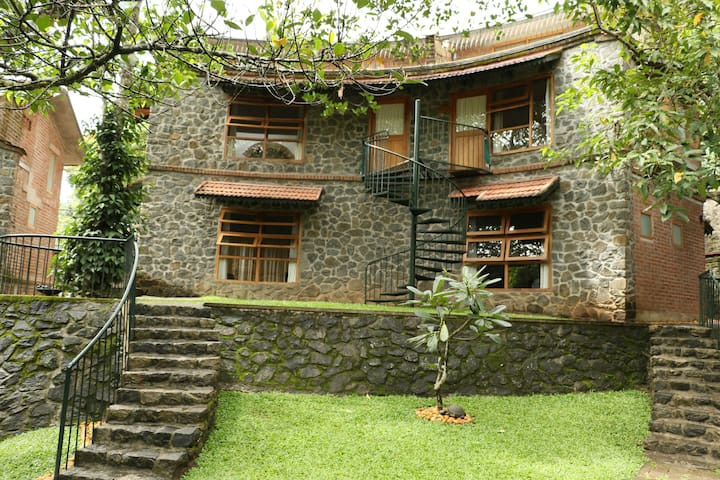 Wildernest Bed & Breakfast - Kumily