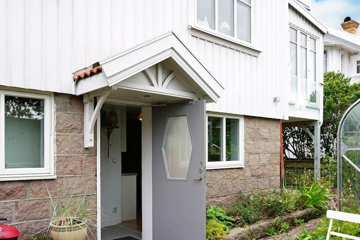 4 person holiday home in KUNGSHAMN